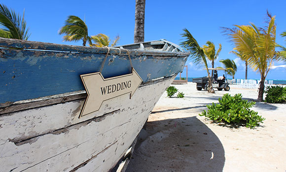 Getting married on the beach in Mauritius