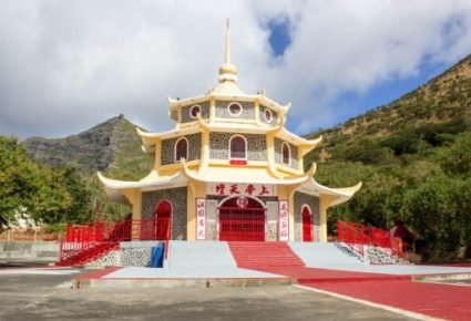 chinese-temple-pagoda-port-louis-580x350